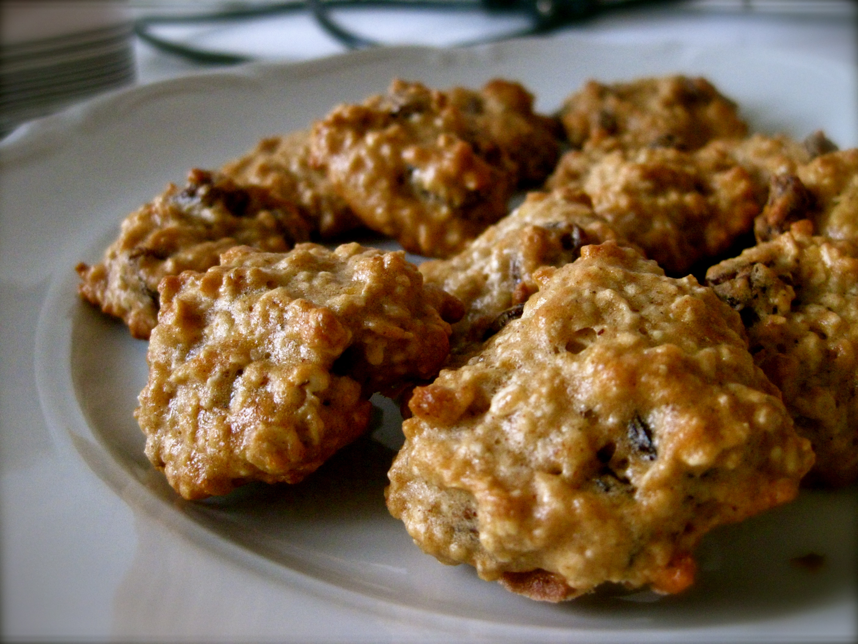 Chewy Fat Free Oatmeal Raisin Cookies adapted from Maddie Ruud's ...