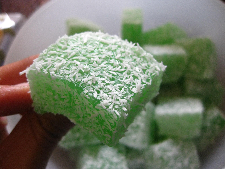 Nasi Lemak Lover: Kuih Bangkit 茨粉饼,.